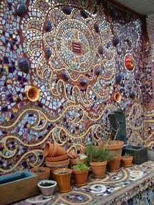 Mosaik Basteln Ideen : au enwand mosaik basteln anleitung mosaiksteine mauer ~ Lizthompson.info Haus und Dekorationen