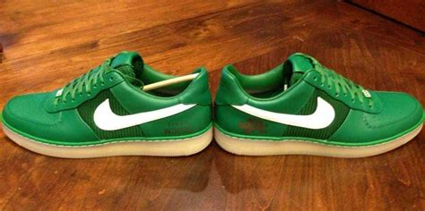 Nike Makes Tiger Woods Custom Sneakers for Masters