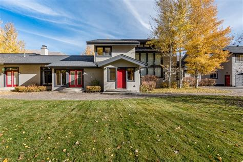 palace  sun valley extra large home ideal  big