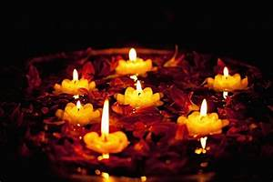 3 Dazzling Diya Decoration Ideas For A Glorious Diwali