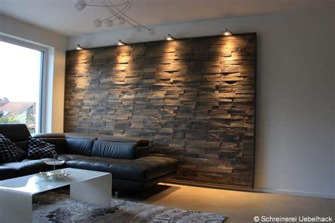 wandverkleidung stein wohnzimmer wandverkleidung mit eiche spaltholzschindeln im wohnzimmer schreinerei uebelhack