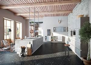 Moderne Küchen Bilder : moderne k chen von alno die kleine k chenstube ~ Markanthonyermac.com Haus und Dekorationen