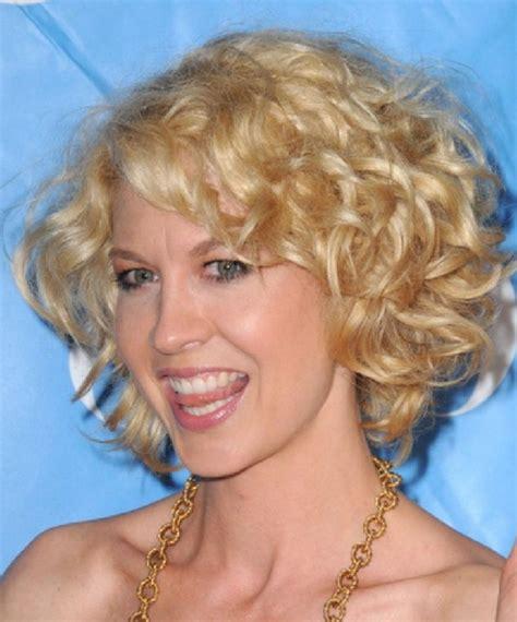 short blonde curly hairstyles  women hairstyles weekly
