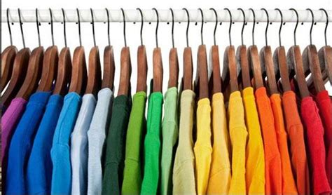 organizing your closet by color 28 images organizing