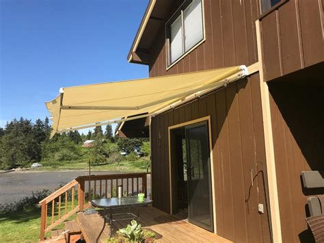 series slimmanual retractable awning