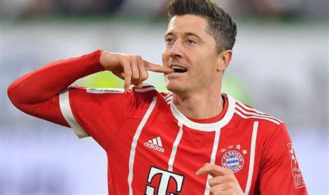 He has only scored more vs. Messi Ronaldo Neymar Lewandowski - Hd Football