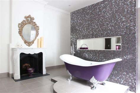 papier peint chambre à coucher baignoire de couleur pour relooker et embellir votre salle