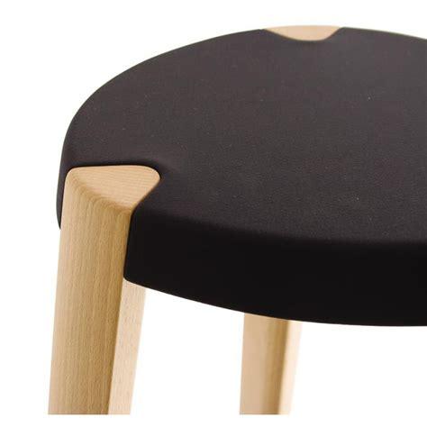 tabouret de bar design en bois tabouret sputnik par zilio