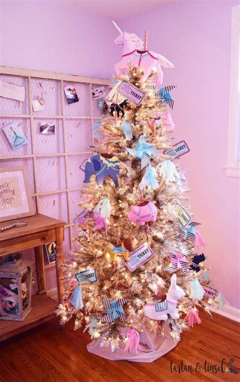arbol de navidad de unicornio Christmas tree themes