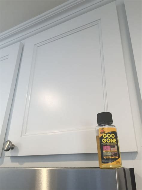 kitchen cabinet grease remover remove kitchen cabinet grease like a miracle goo 5432