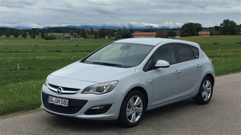 Opel Astra 1 6 by Fahrbericht Opel Astra 1 6 Cdti Im Test Autorevue At