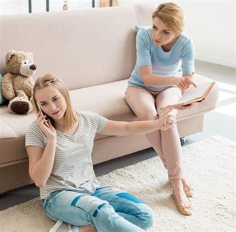 39% jauniešu ir bijis kauns par vecāku komentāru ...