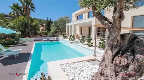Distinctive Ultra-Modern super luxury Villa offered for ...