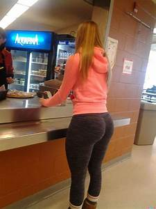 Yoga pants are the key to every mans happiness : theCHIVE