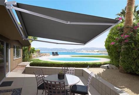Awnings & Outdoor Blinds