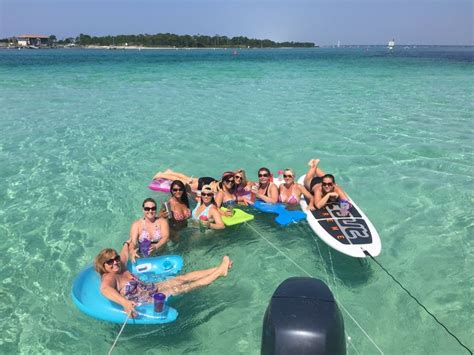 Crab Island Boat Rentals Destin Fl by 7 Destin Attractions For Adults