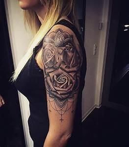 Tattoos Frauen Arm : tattooscout die gro e tattoo community ~ Frokenaadalensverden.com Haus und Dekorationen