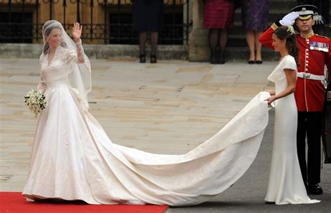 Kates Wedding Dress : Here's Kate Middleton's Second Wedding Dress You Never Got