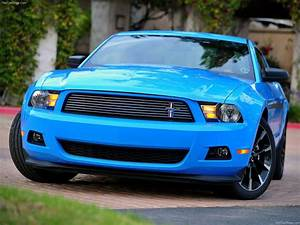 Sports Car Prices: 2011 Ford Mustang V6 New Car