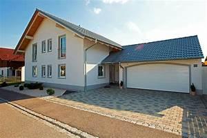 Einfamilienhaus Mit Garage : musterhaus einfamilienhaus mit garage ~ Lizthompson.info Haus und Dekorationen