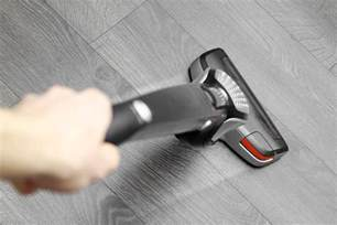 best cordless vacuum for hardwood floors guide and reviews