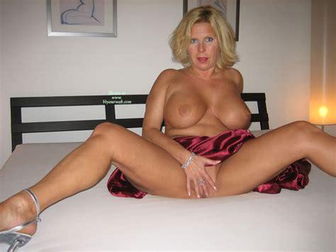 Seasoned MILF With Huge Tits October Voyeur Web