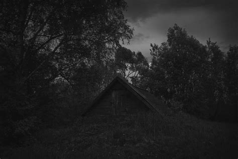 Depressing Home Screen Wallpaper Creepy by Fences Russia Grayscale Depressing 3872x2592