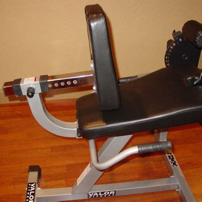 valor cc  plate load leg machine