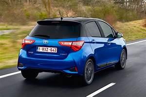 Toyota Yaris Hybride Dynamic : toyota yaris hybrid hatchback pictures carbuyer ~ Gottalentnigeria.com Avis de Voitures