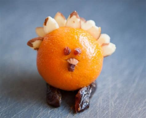 Fruity and Fragrant Thanksgiving Table Favors   Make and Takes