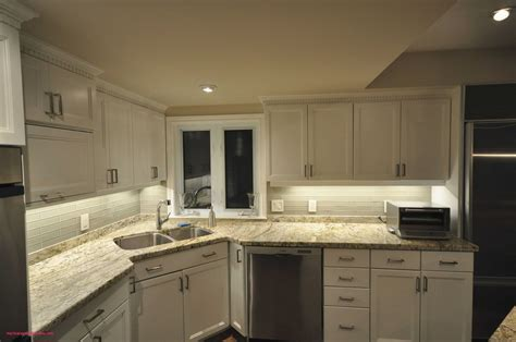 Kitchen Cupboard Lights by How To Put Lights Kitchen Cabinets Swavla