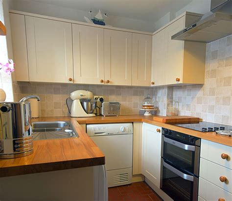 Kitchen Fitter Falmouth