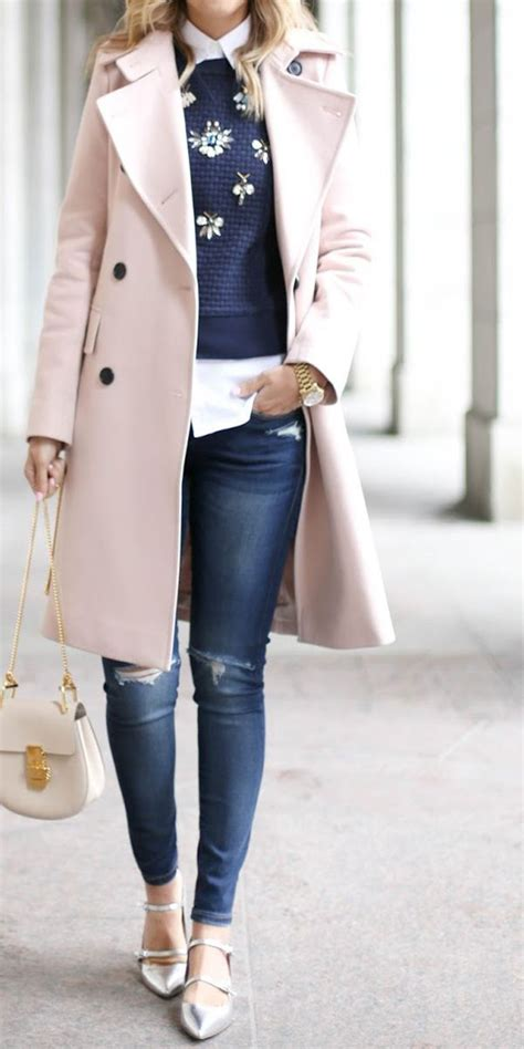 9 sweet winter outfits with a pink coat that you can ...