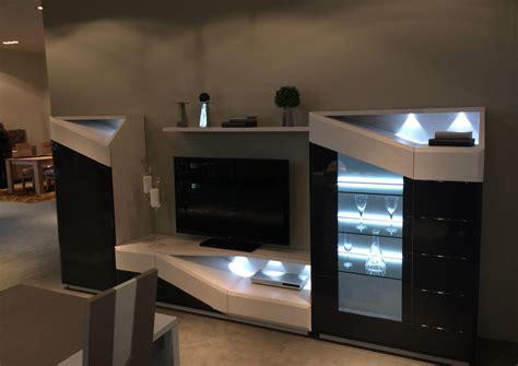 bureau bois brut acheter votre meuble tv contemporain avec led chene laque