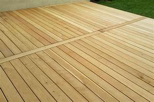 terrasse en bois de meleze de siberie nature bois With terrasse bois avec piscine 1 terrasse bois piscine lame terrasse chene meleze douglas