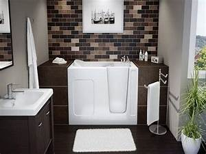 Small bathroom design pictures gallery thedancingparentcom for Small bathroom ideas photo gallery