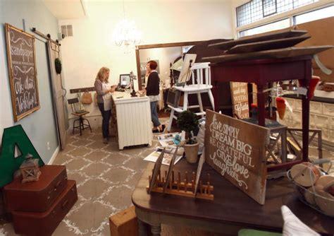 boutique  home decor store expanding  valpo