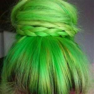 HAIR CHALK Lime Green Temporary Hair from SalonChalks