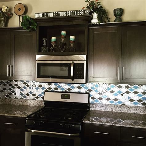 My new kitchen! Glazzio Tiles Falling Star series