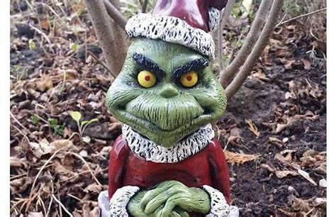 grinch christmas thief garden gnome