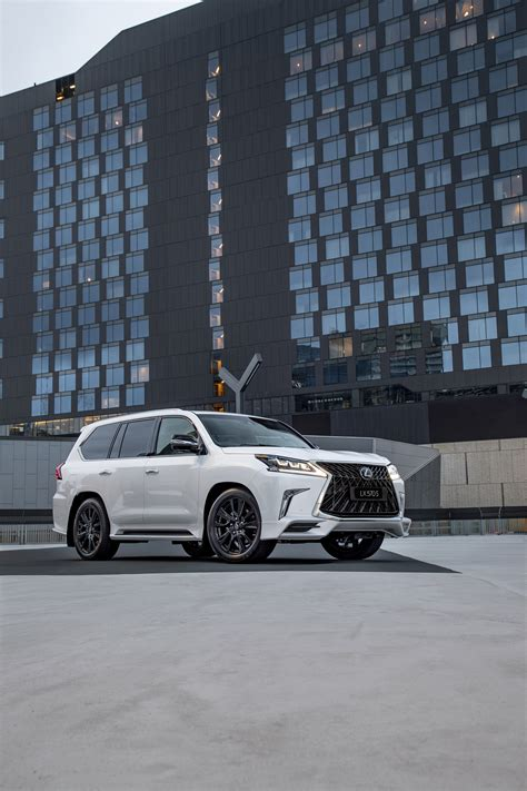 lexus present  lx   machine