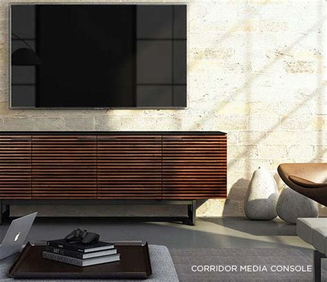 how to select the media furniture