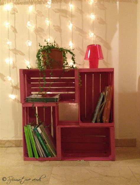 libreria con cassette di legno le cassette di legno per arredare casa 20 idee creative