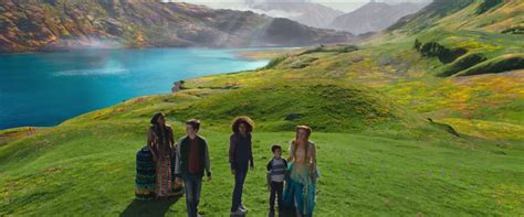 Wrinkle Time Trailer Shows Off Planet Hopping