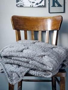 Wie Streicht Man Eine Decke : strickanleitung f r eine decke mit zopfmuster strickideen decke stricken h keln wolldecke ~ Buech-reservation.com Haus und Dekorationen