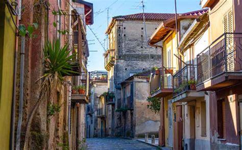 cinquefrondi la ciudad italiana libre de covid