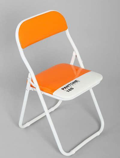 pantone orange folding chair decor by color