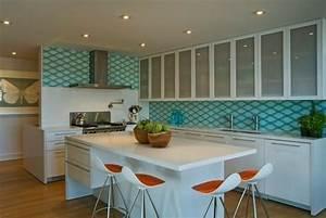 un tabouret de bar colore pour la cuisine moderne With superb meubles pour petite cuisine 9 la decoration avec un meuble aquarium archzine fr