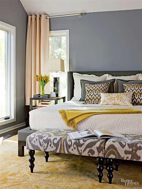 small bedroom bed ideas small master bedroom ideas 17100 | 101846881.jpg.rendition.largest