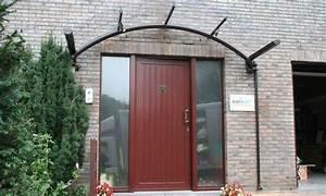 Abri Porte Entrée : accueillez dignement vos visiteurs avec une marquise bozarc ~ Edinachiropracticcenter.com Idées de Décoration